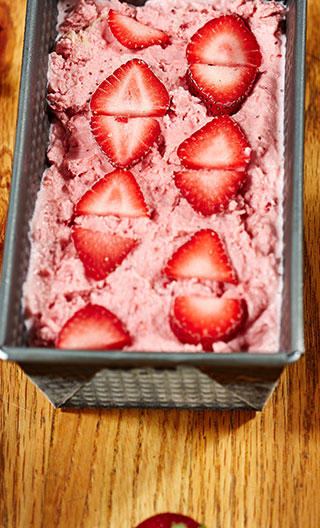 No-Cook Strawberry Ice Cream